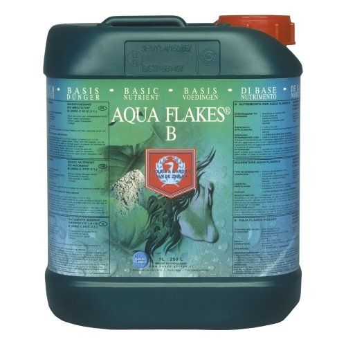 Aqua Flakes B by House & Garden